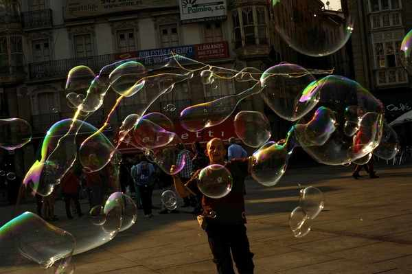 Theory Says We've Been Wrong About How Bubbles Pop