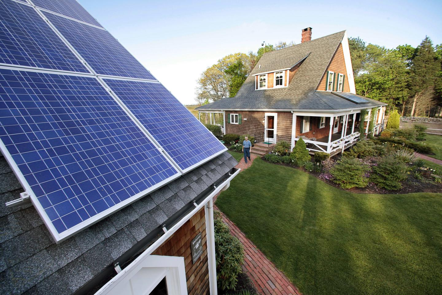 Go Green the Right Way – Complaints against rooftop solar companies