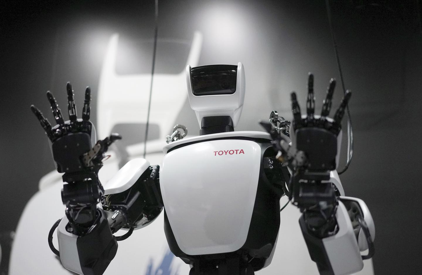 Despite All Their 'Cheap' Labor, the Chinese Embrace Robots Too