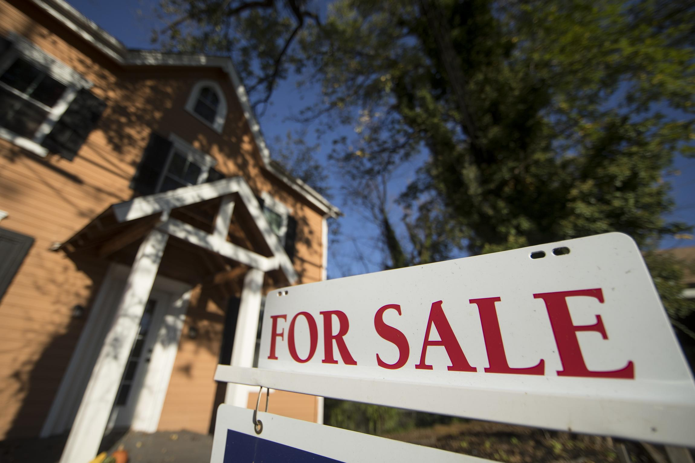 Don't Be Fooled, Falling Mortgage Rates Are a Bearish Signal