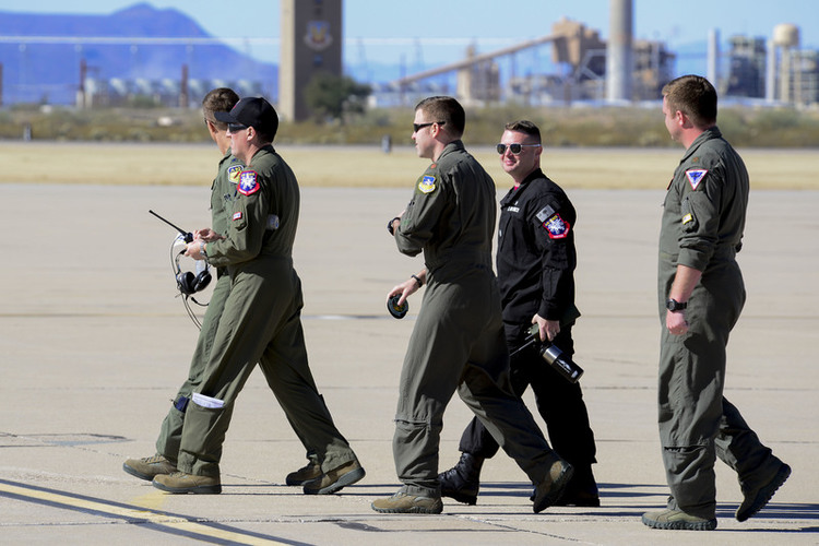 U.S. Air Force Experimenting with Two-Piece Flight Suits