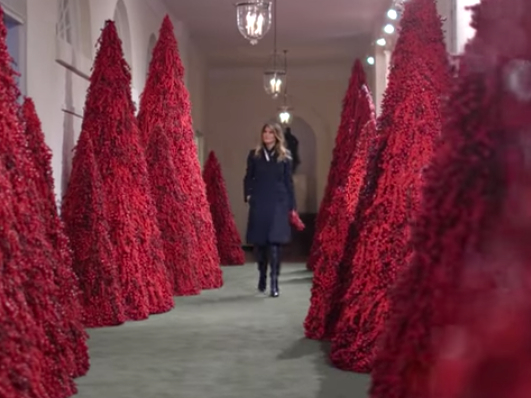 Whitehouse Christmas.Watch 2018 Christmas Decorations At The White House