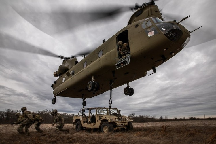 HASC Blocks Army Effort to Shelve the CH-47 Chinook