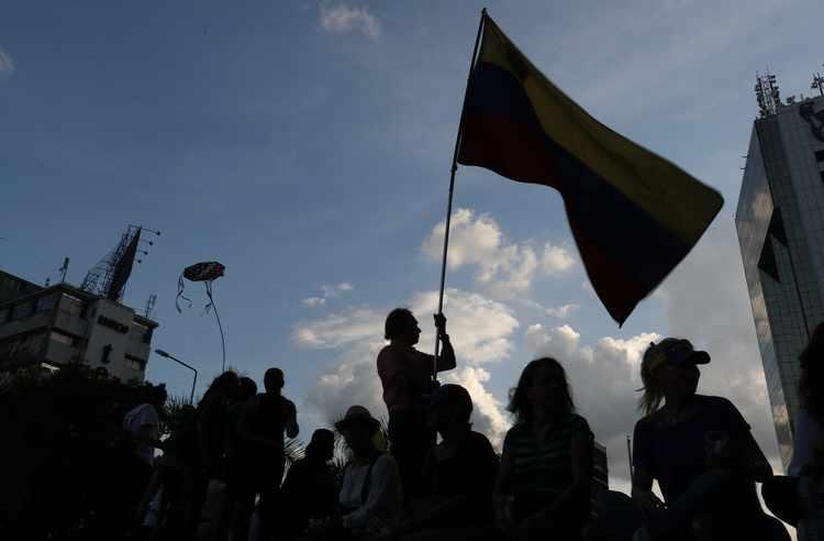 Supporting Non-Violent Resistance in Venezuela: U.S. Military?