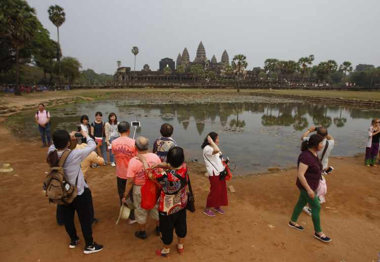Angkor Wat Digs Yield New Clues to Its Civilization's