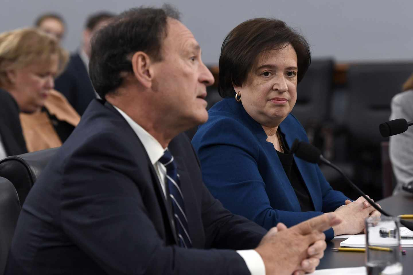 Alito's Strategic Vote Signals Reining In of 'Law by Regulation'