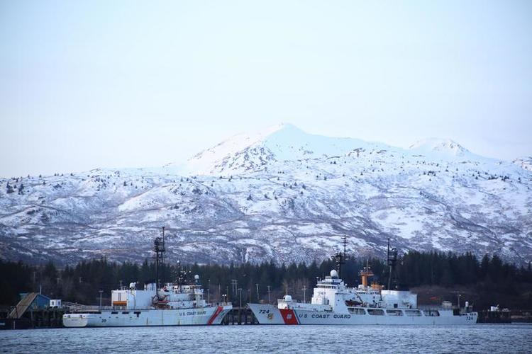 Let the Coast Guard Helm Alaskan Command's Maritime Component