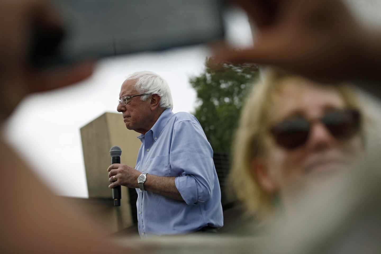 Sanders Campaign Accuses Press of 'Bernie Write-Off'