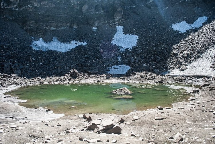 Genetic Surprise Deepens Mystery of 'Skeleton Lake'