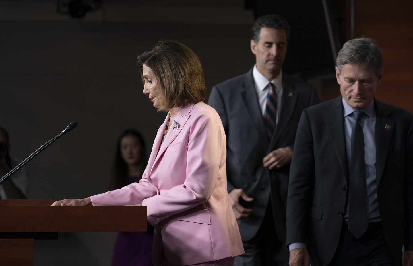 Pelosi's Sidestep on Impeachment Vote Cuts Both Ways