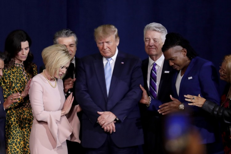 Trump Moves to Protect Prayer in Public Schools