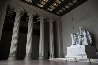 'Right Makes Might': The Lincoln-Douglas Debates