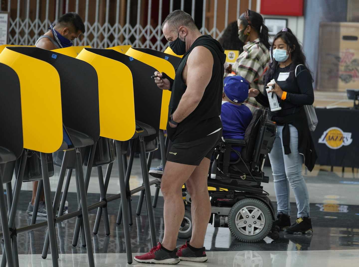No, Really -- Don't Pay Attention to Early Voting Data