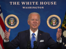 """Biden Welcomes Immigrants At Naturalization Ceremony: """"Thank You For Choosing Us"""""""